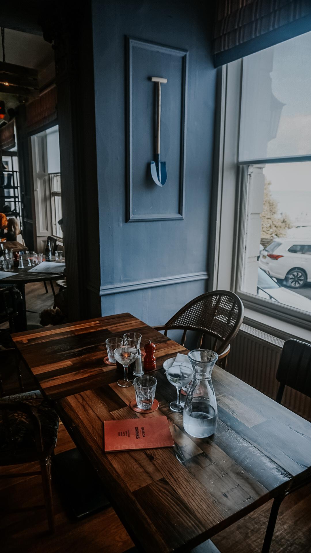 The Bike & Boot Restaurant And Inn